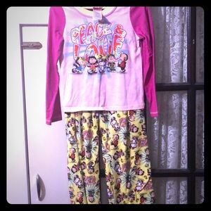 Peanuts pajamas set
